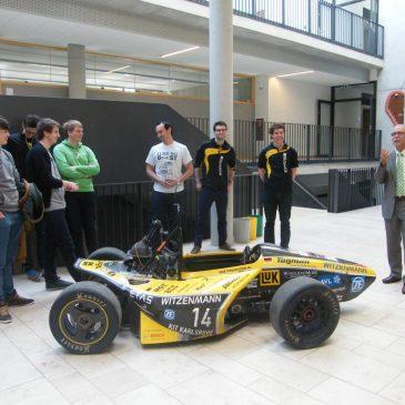 Angehende Ingenieure der Uni Karlsruhe zu Gast am Lise-Meitner-Gymnasium
