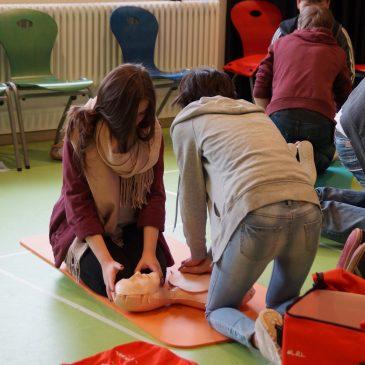 Erste-Hilfe-Kurs der Klasse 9b