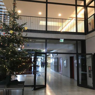 Die Schulgemeinschaft des Lise-Meitner-Gymnasiums wünscht besinnliche und schöne Festtage und ein gesundes 2021!
